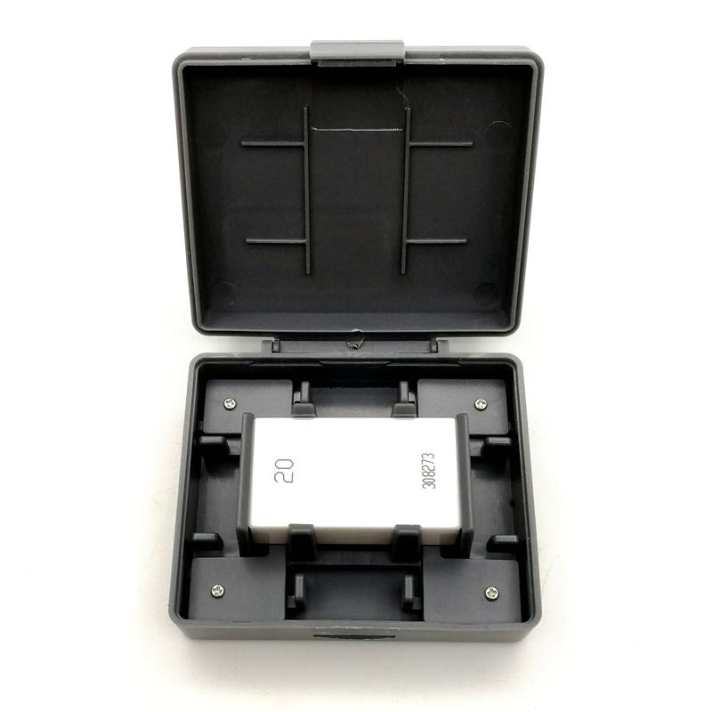 Single ceramic gauge block
