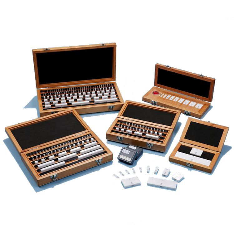 Ceramic gauge block set